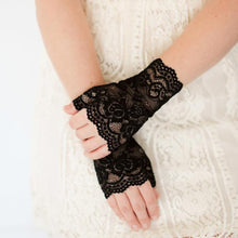 Load image into Gallery viewer, Girls Fingerless Lace Gloves