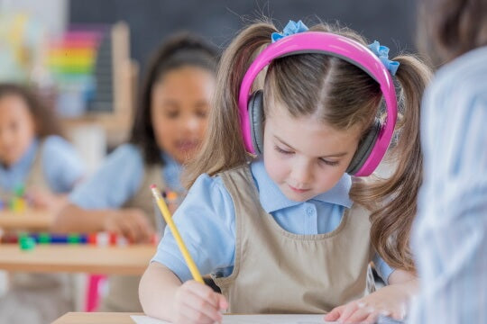 4 Things To Consider When Buying School Headphones