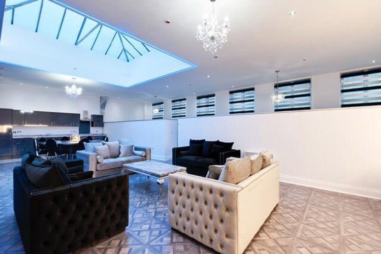 Liverpool,  4* Central Apartments