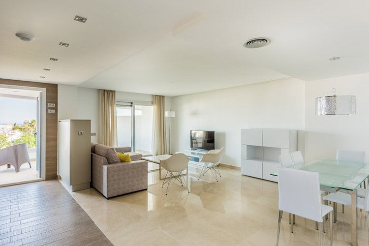 Marbella, Puerto Banus 3* Aqua Apartments - Very Into Partying