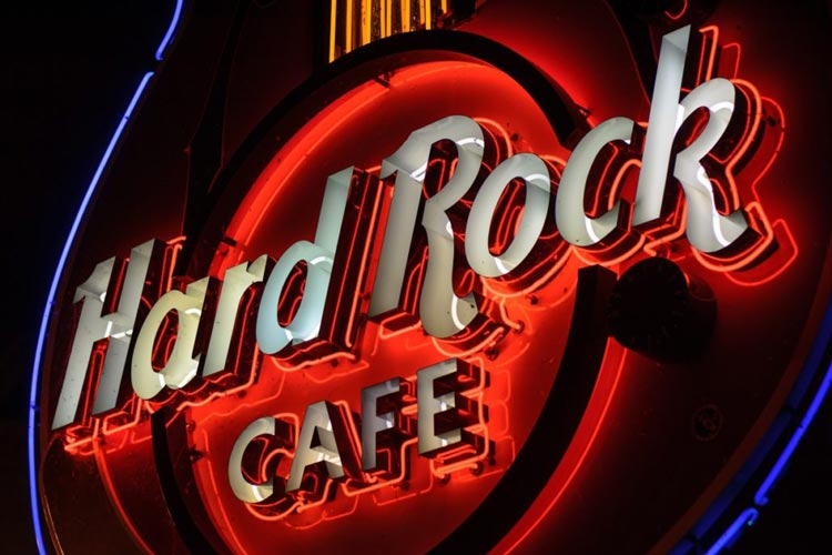 Marbella Hard Rock Cafe 3 Course Meal & Welcome Drink - Very Into Partying