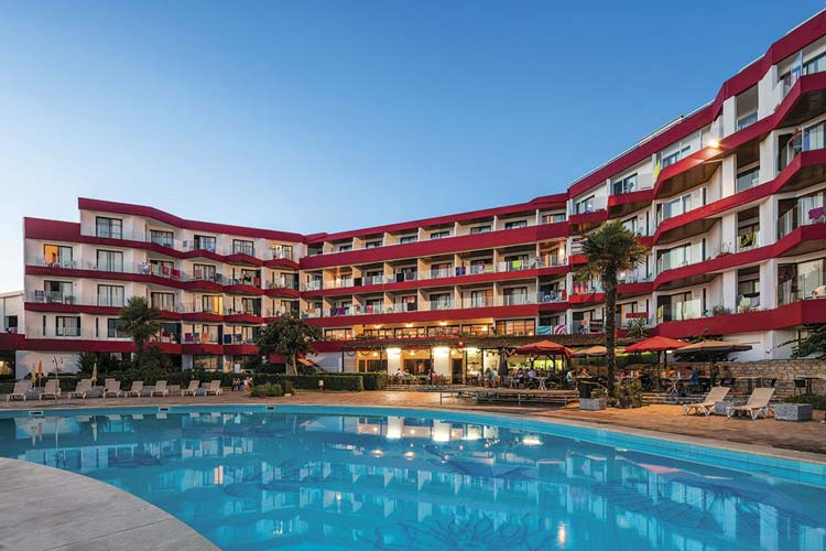 Albufeira Hotel 3* - Village - Very Into Partying