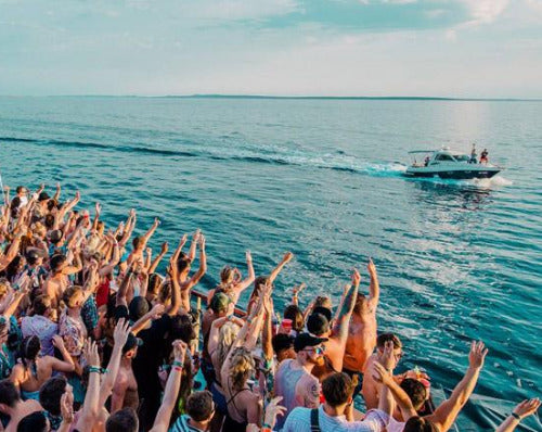 Albufeira Boat Party - Very Into Partying