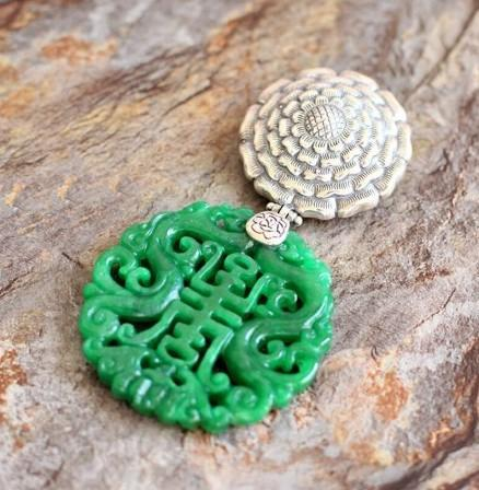 925 Sterling Silver Carved Green Chalcedony Chinese Imperial Pendant