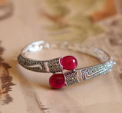 Elegant 925 Sterling Silver Red Jade Bangle