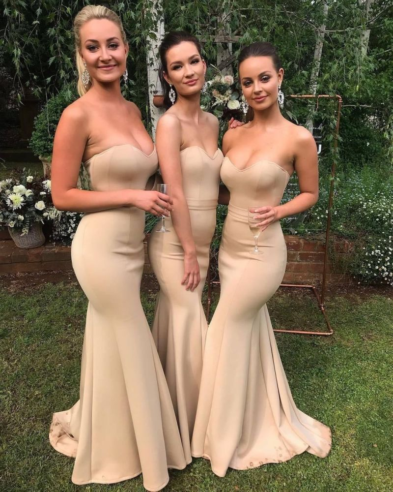 Looking for Prom Dresses, Evening Dresses, Bridesmaid Dresses in Spandex,  Column style,  and Gorgeous work? Ballbella has all covered on this elegant Sweetheart Sleeveless Mermaid Wedding Party Dress Slim Bridesmaid Dress.