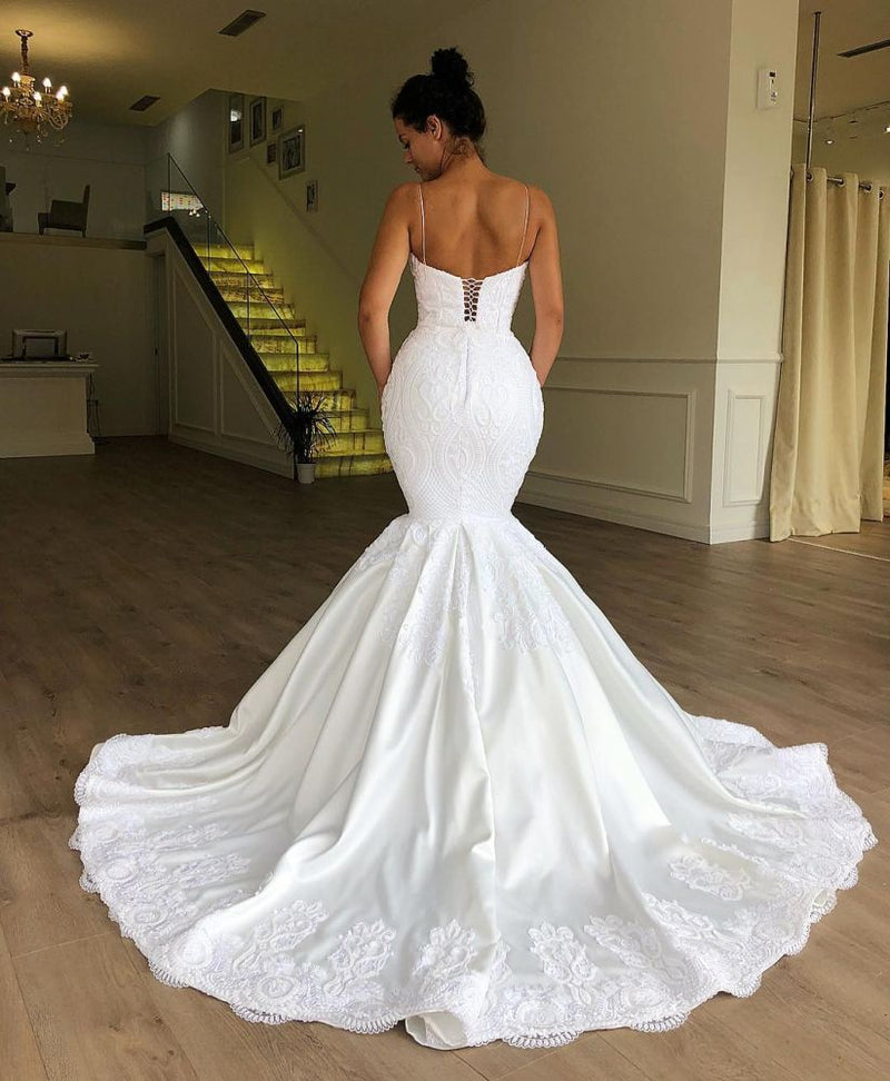 Ballbella has a great collection of lace wedding dresses at an affordable price. Welcome to buy high quality from us. Extra coupons to save a heap.
