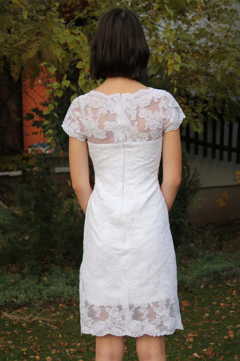 Sheath Round Collar Knee Length Short Sleeves Tulle Lace Wedding Dress