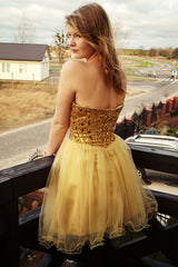 A-line Sweetheart Knee Length Tulle Rhinestone Homecoming Dress