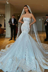 Mermaid Strapless Chapel Train Tulle Lace Applique Backless Wedding Dress