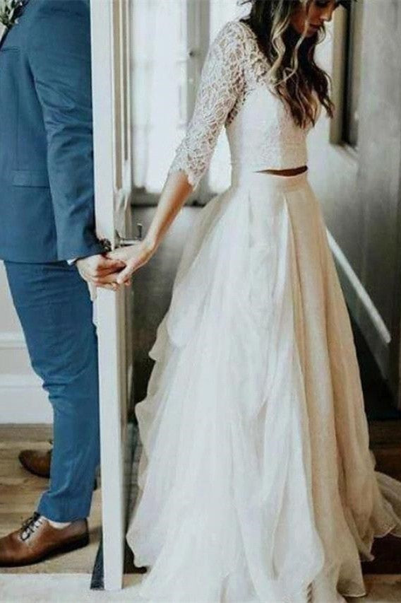 Wanna get a perfect dress for your big day? Check out this lace beach wedding dress at ballbella, 1000+ option, fast delivery worldwide.