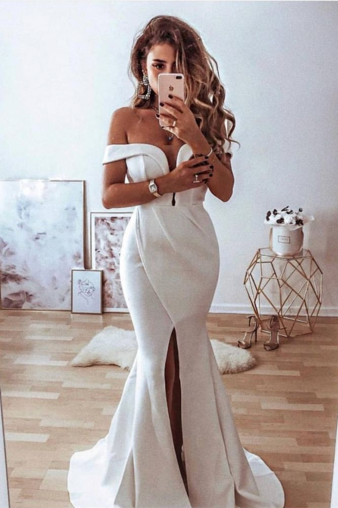 Looking for a designer dress for your big day? Check out this Classic Off-the-Shoulder Split Front Mermaid Wedding Dress at ballbella.com, fast delivery worldwide.