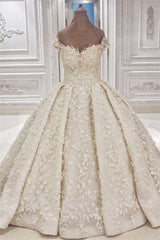Cap sleeves Off the shoulder Lace Appliques Ball Gown Wedding Dress