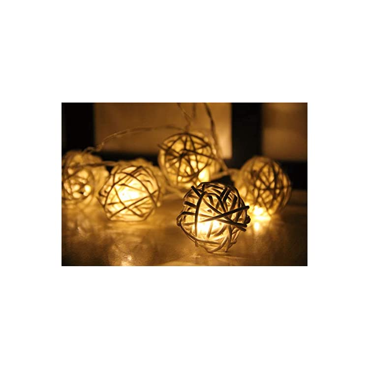LED-9.8-Feet-20-Rattan-Ball-Fairy-String-Lights-with-20-Wooden-Clips,-Flexible-Battery-Powered-Globe-Warm-White-Lighting-for-Dorm-Decoration-Bedroom,-Office,-Wedding,-Christmas-Celebration