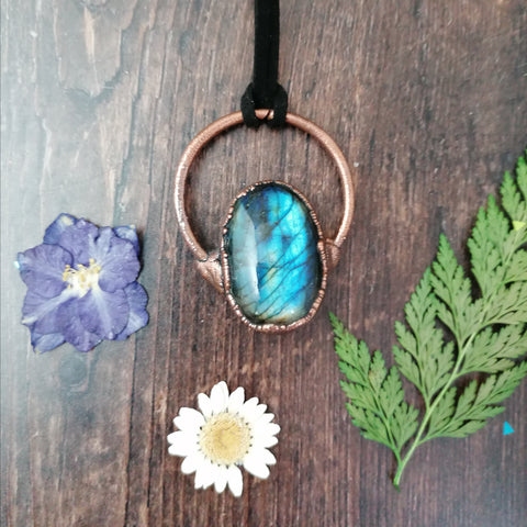 Bright Labradorite Copper Necklace