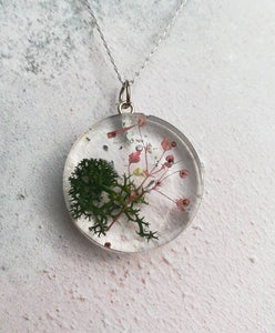Dried Flower Moss Necklace