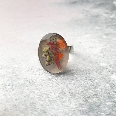 Dried Flower Resin Ring UK size M US size 6 1/4