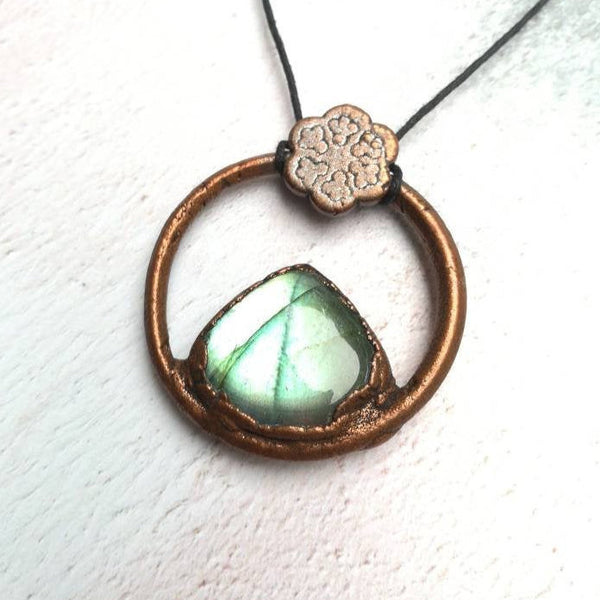 Green Labradorite And Flower Necklace
