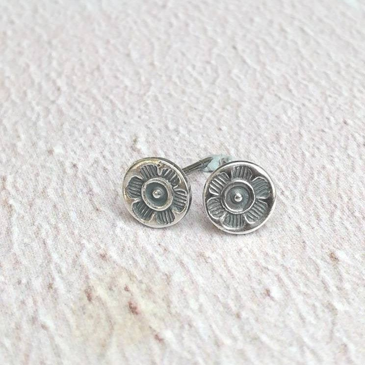 Flower Dot Stud Earrings
