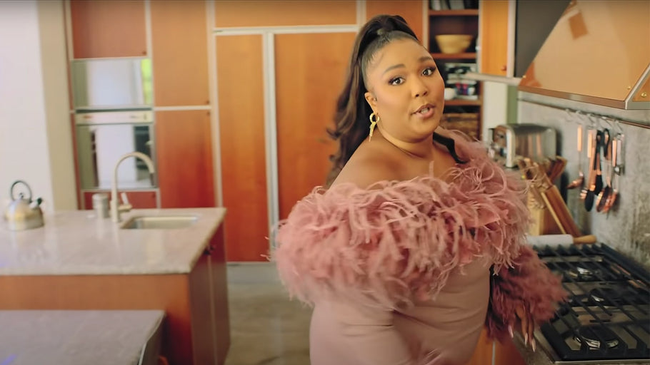 Lizzo's Kitchen Cabinet Layout Is Serving Major Organization Inspo