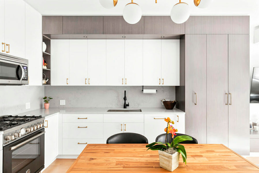 A step-by-step guide and timeline for a kitchen renovation
