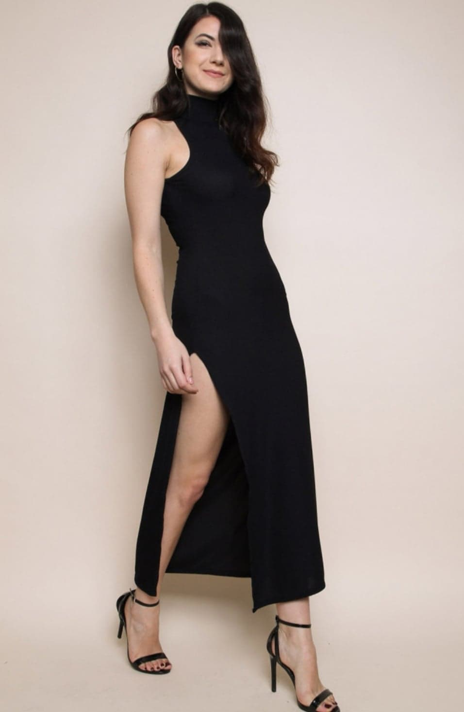 High neck sleeveless ribbed black dress