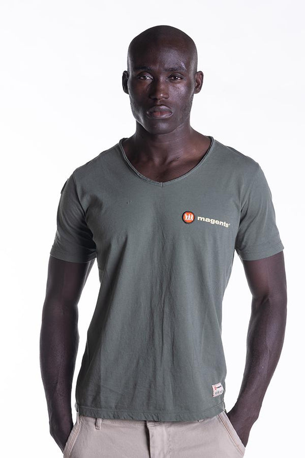 SIGNATURE LOGO TEE IN KHAKI - magents