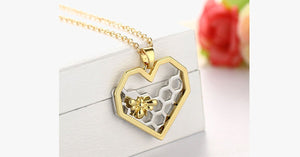 Heart Bee Necklace - FREE SHIP DEALS