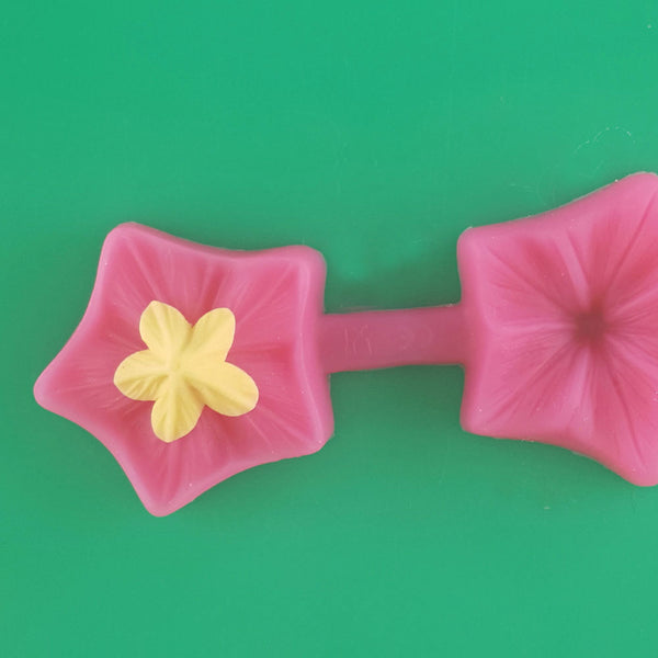 Making Filler Fondant Flower with the petunia mould step 2