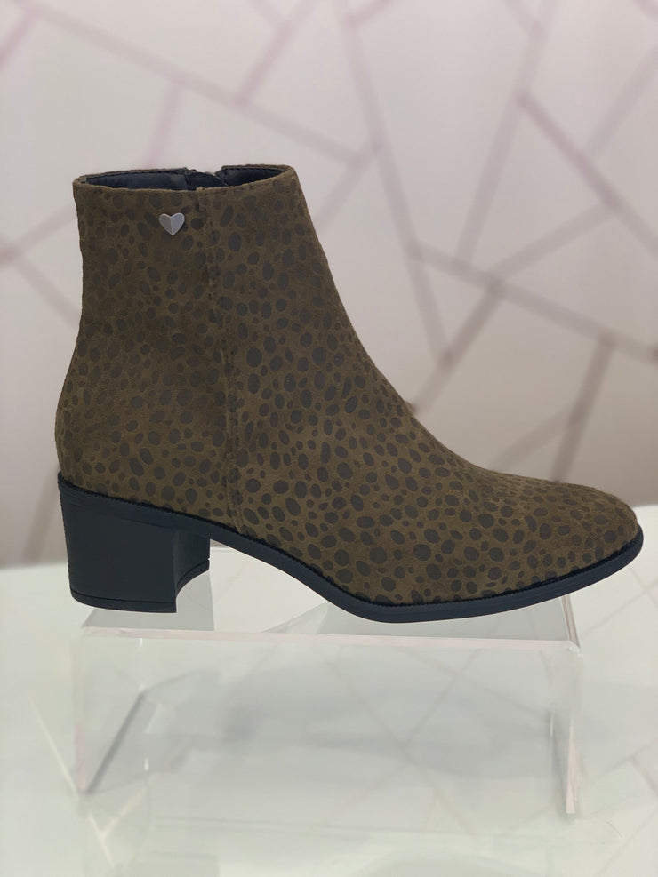 Hengst, olive animal print casual ankle boot