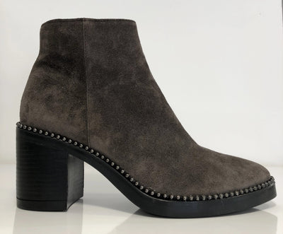 Alpe, grey suede ankle boot