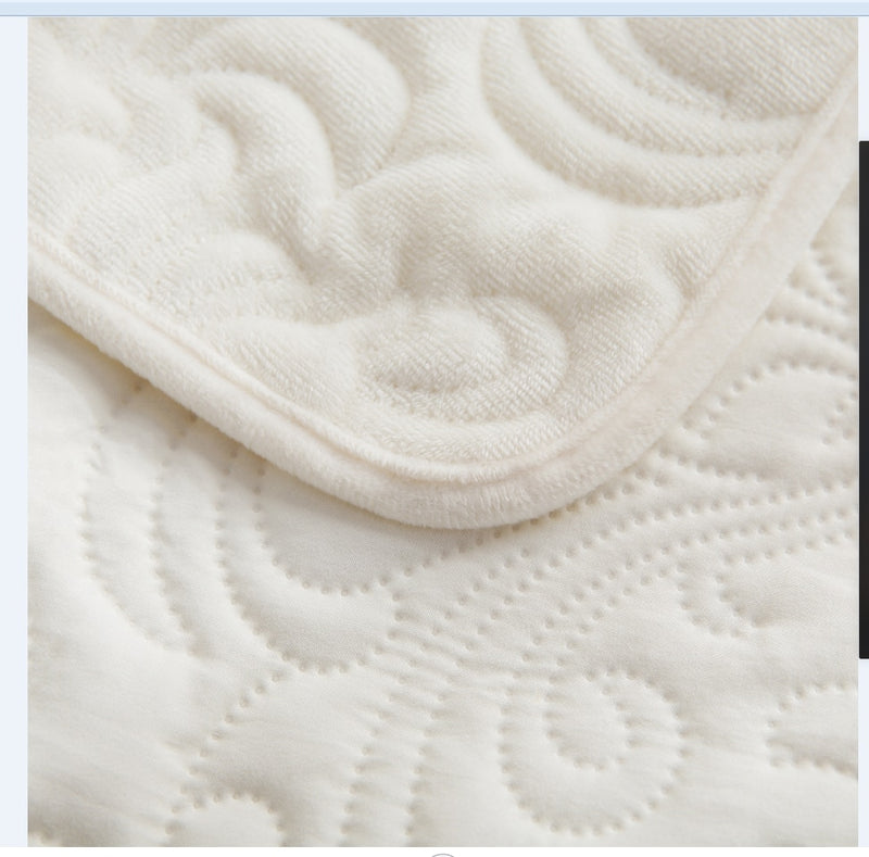 Crystal pile + grinding hair embossing quilted warm single double-sided  bed cover