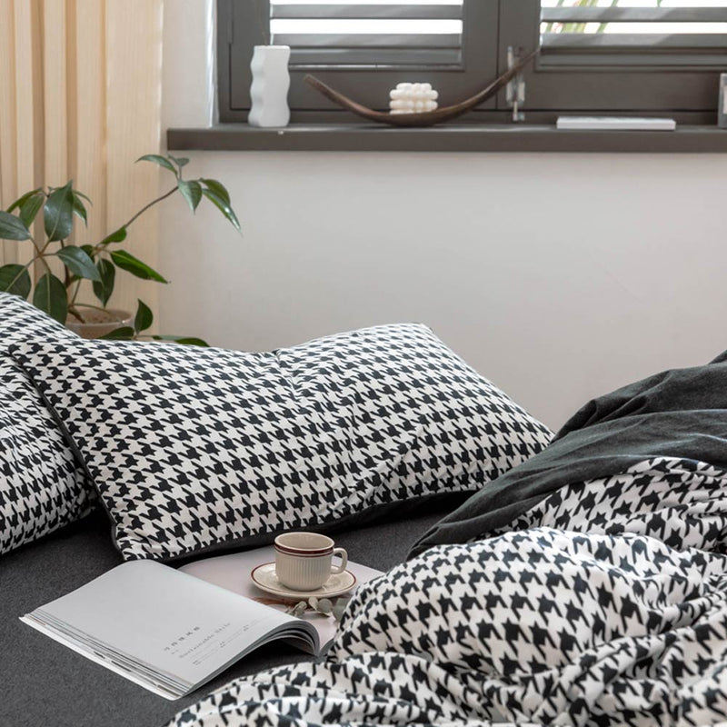 Houndstooth Knitted Cotton Bedding Set - HeadlineBedding