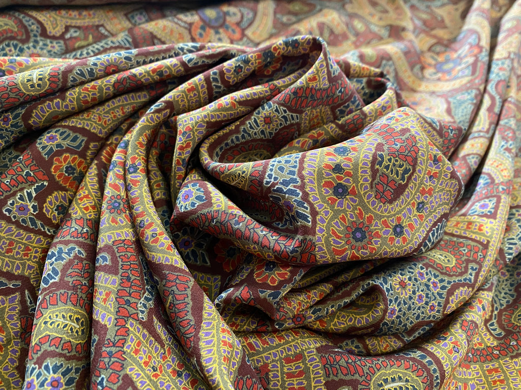 SILK WITH PAISLEY PATTERNS
