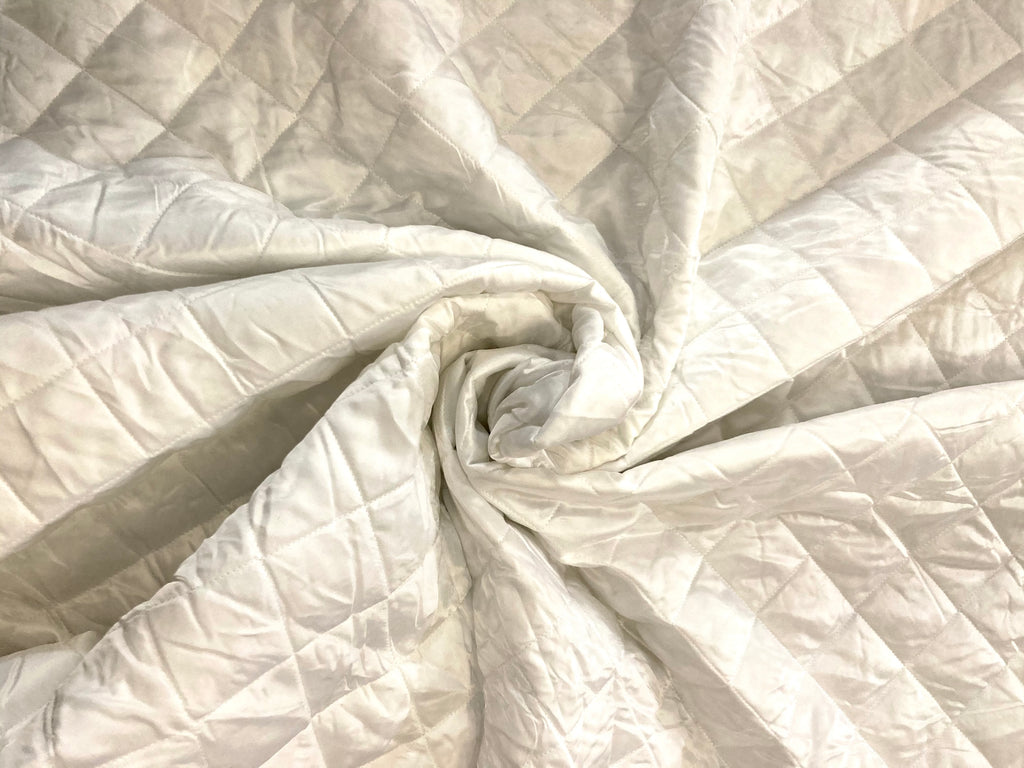 SHINY WHITE QUILTED