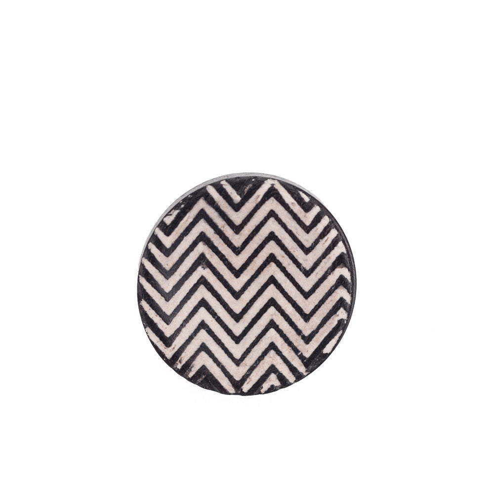 Artisan Obscura Chevron, Large Concave Soft Release, Ebony
