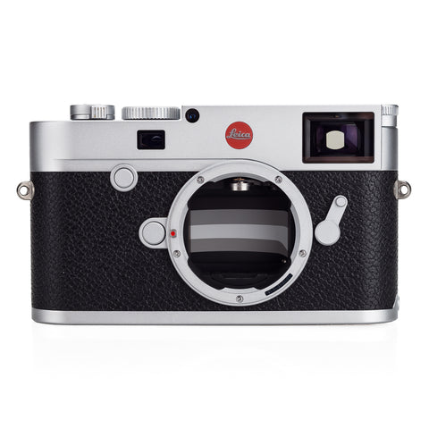 Used Leica M10, silver chrome - Extra Battery - Recent Leica CLA
