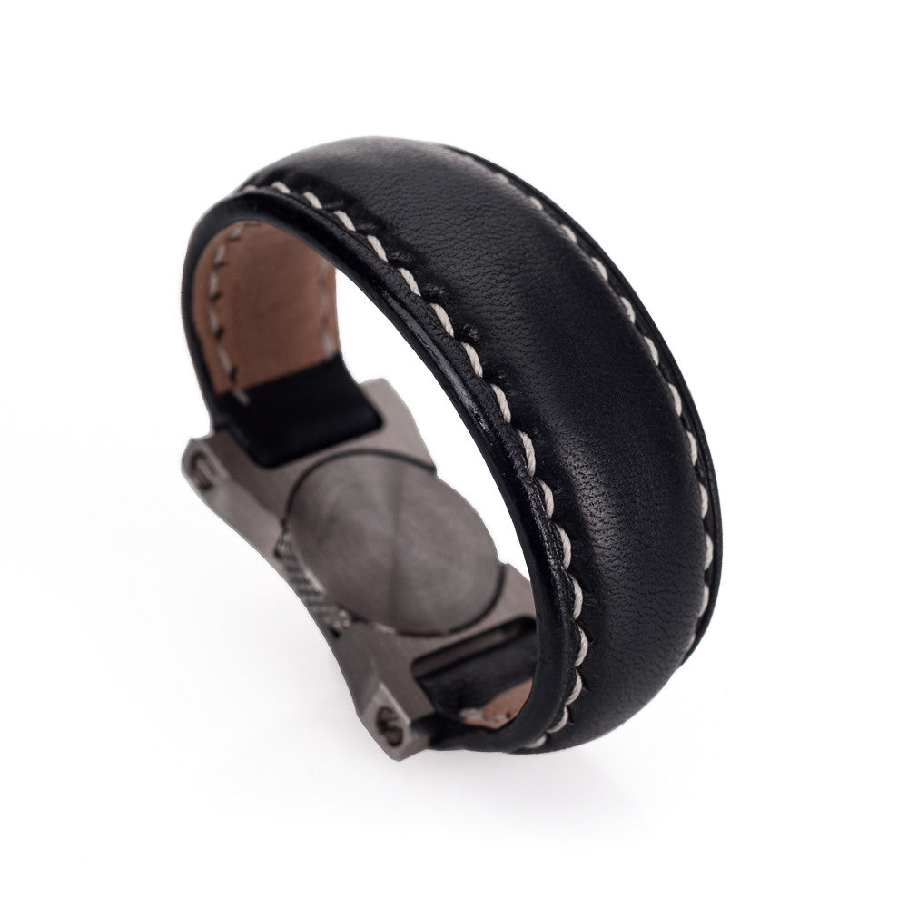 Arte di Mano Leather Finger Loop for Leica M (Typ 240) - Minerva Black with White Stitching, Silver Metal