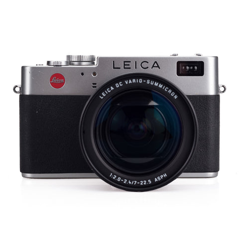 Used Leica Digilux 2 - 2 Extra Batteries, Filter