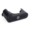 Arte di Mano Half Case for Leica M/M-P (Typ 240) for Regular Handgrip with Finger Loop Cutout - Minerva Black with White Stitching