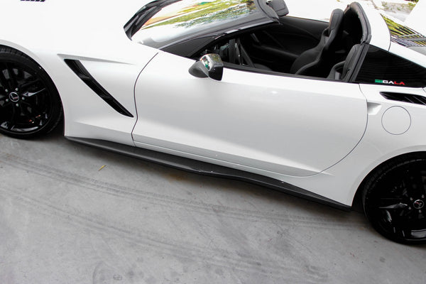 Side Skirts Z06 Style for Chevrolet Corvette C7 2014-2019 in Carbon Fiber or Fiberglass