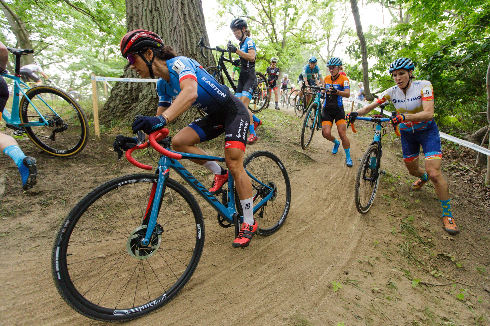 Team Updates: Pivot Maxxis p/b Stans NoTubes - Meet the Team!