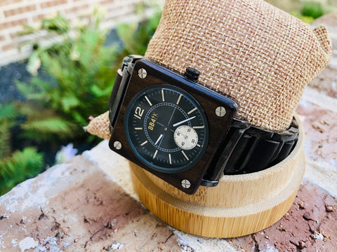 W18 LIMITLESS-WALNUT SQUARE WATCHES