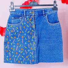 Load image into Gallery viewer, Hand Painted 80s/90s Denim Skirt