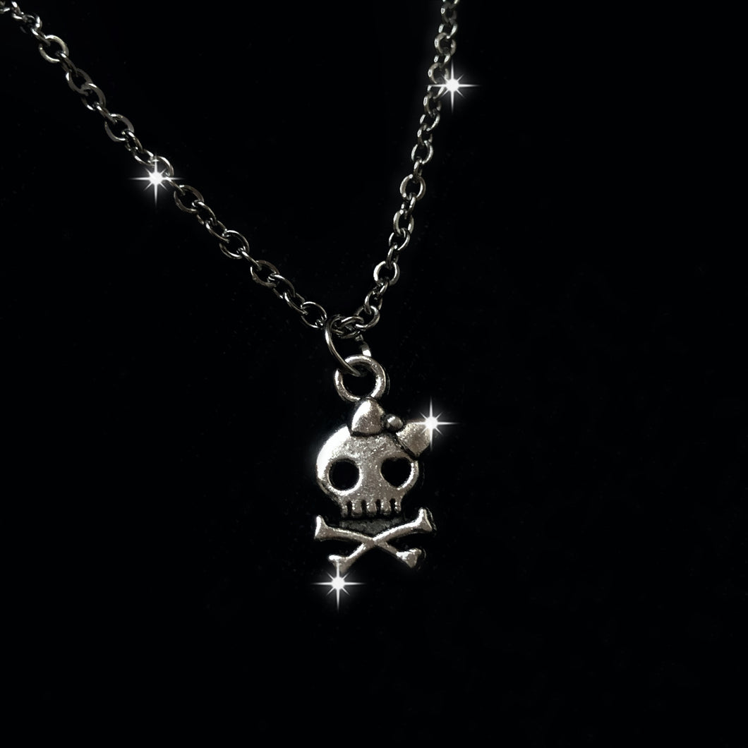 SKULLY NECKLACE