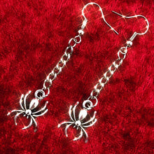 Load image into Gallery viewer, Spider Chain Earrings