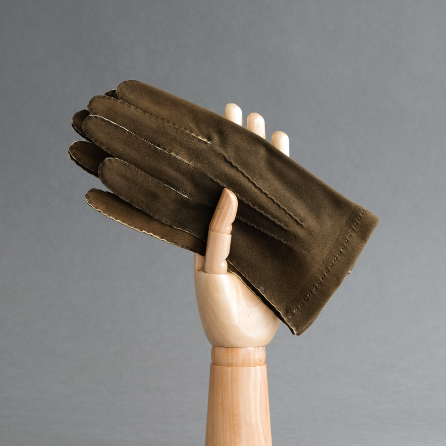 Gentlemen's Hand Sewn Unlined Gloves from Dark Brown Doeskin