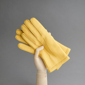 Gentlemen's Gloves from Yellow Deerskin Lined with Cashmere