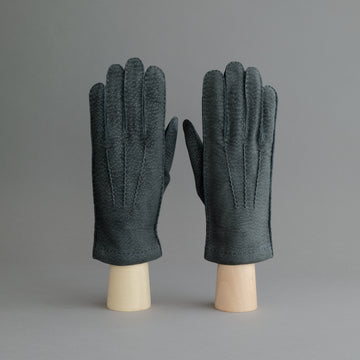 Gentlemen's Gloves from Grey Carpincho Leather Lined With Cashmere