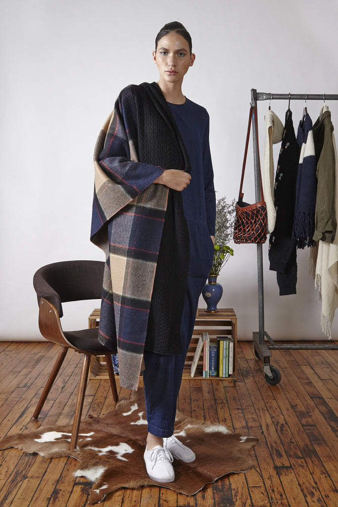 Standard Form Neo Plaid- Large